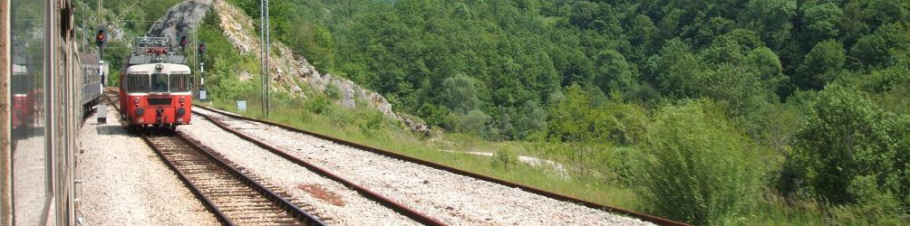 Auf der Bahnstrecke zwischen Belgrad und Montenegro. Foto: Paul Gronert